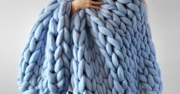Come fare una coperta di lana senza ferri con l arm for Nodo invisibile per unire due fili di lana