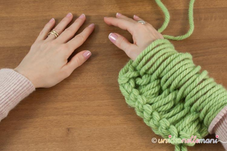 Come Fare Una Coperta Di Lana Senza Ferri Con Larm Knitting